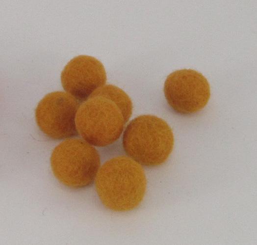 10mm villapallo keltaoranssi kappaleittain
