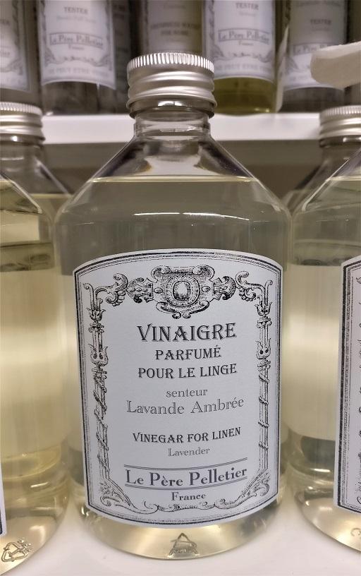 Lavande ambrée - laventeli-meripihka: pohjatuoksuna laventeli, höystettynä parfyymimäisellä meripihkan tuoksulla. Laventelin ystävän lempparituoksu! :)