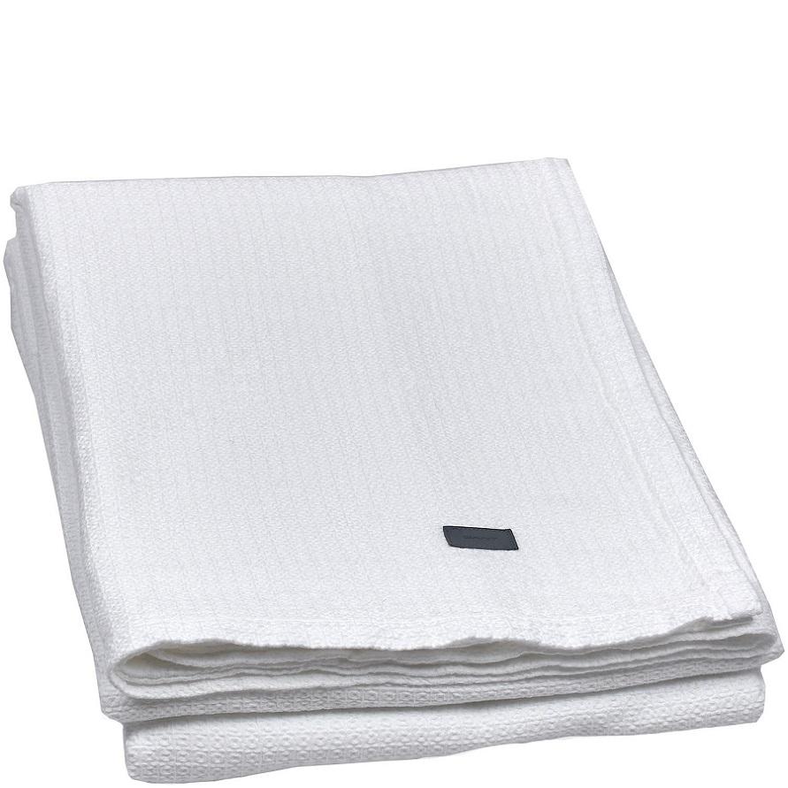 110 - valkoinen (puhtaanvalkoinen, ei luonnonvalkoinen)