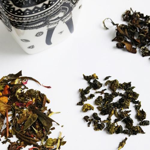 Teemaistelijan teeuutuuspaketti: Oolong ja valkoinen tee