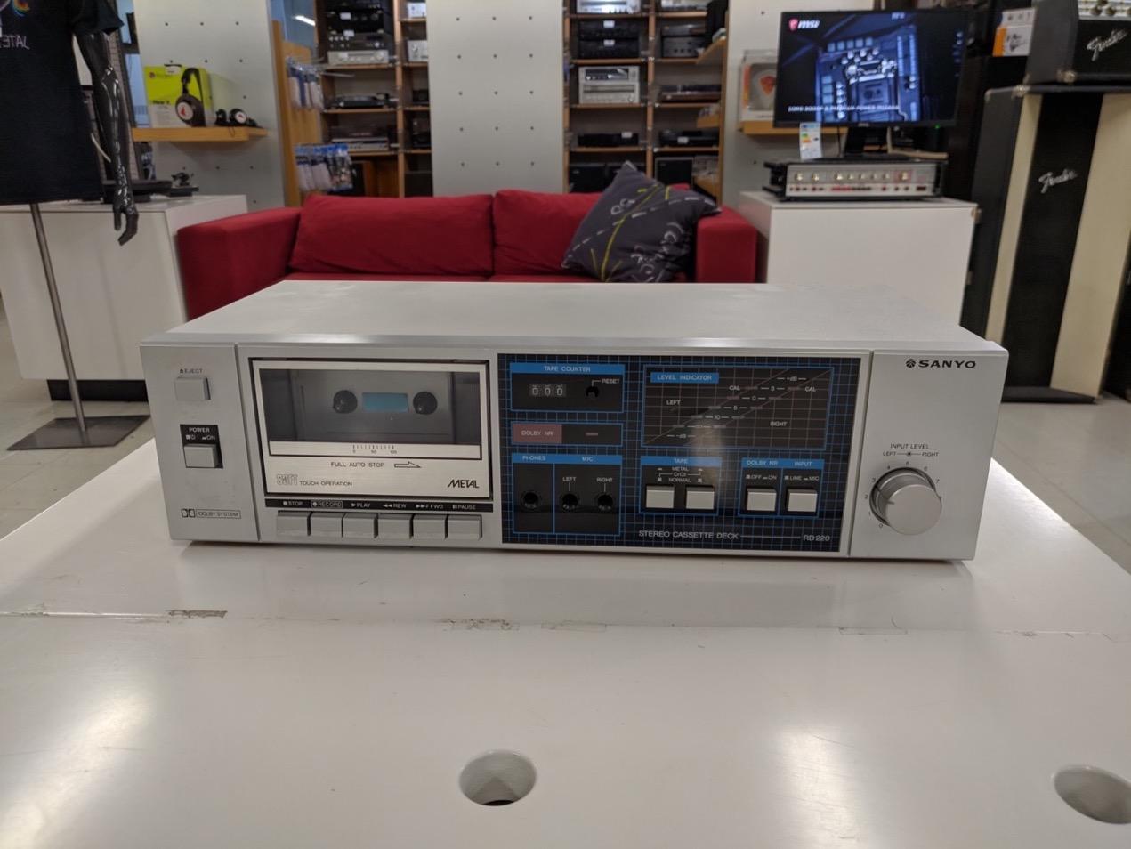 Sanyo RD-220 kasettidekki
